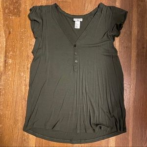 H&M Green Ruffle Sleeve Top - Size Small